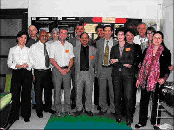 ICOM-CCs bestyrelse med DG ICCROM Bouchenaki (midtfor th) og de to repræsentanter for organisation for ICOM-CCs 15. kongres i Indien, 2008.